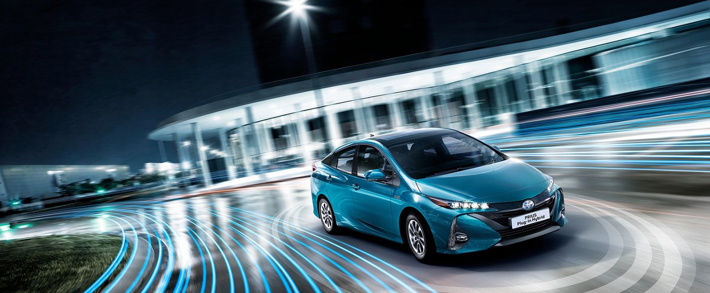Toyota-Prius_Plug-in_Hybrid-2017-1450_600_01